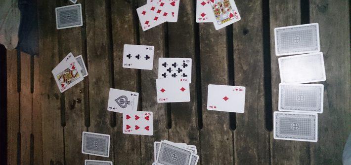 Drunk bluff game